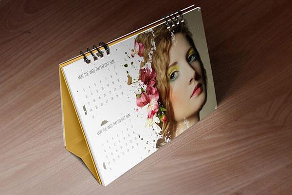 Desk-Calendar-Mockups-by-Vectogravic-03